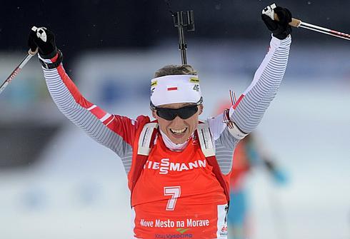 Кристина ПАЛКА финиширует второй в гонке преследования на ЧМ-2013. Фото AFP