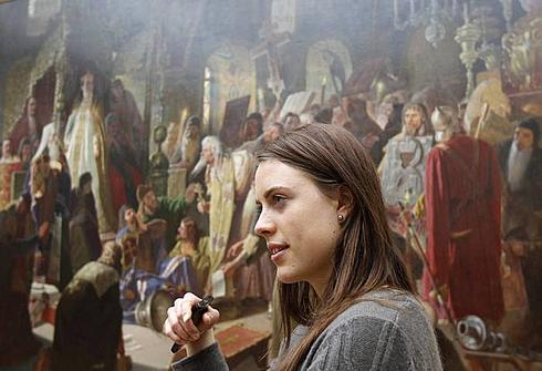 6 апреля 2012 года. Сюнневе Солемдаль в Третьяковской галерее. Фото REUTERS
