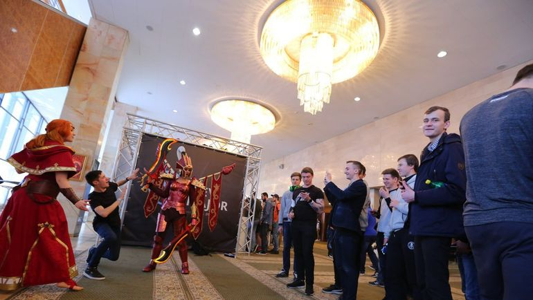 "Холл дворца ""Украина"". Фото VK Dota 2"