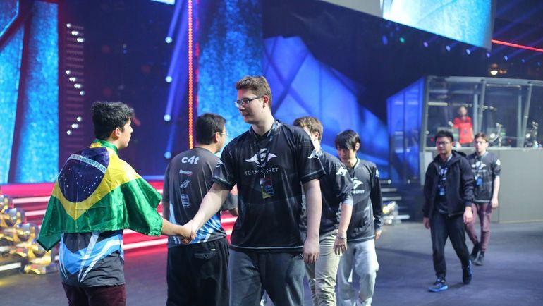 Team Secret и SG e-Sports. Фото VK Dota 2