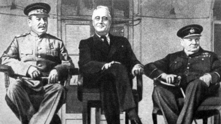 Иосиф СТАЛИН, Теодор РУЗВЕЛЬТ и Уинстон ЧЕРЧИЛЬ.