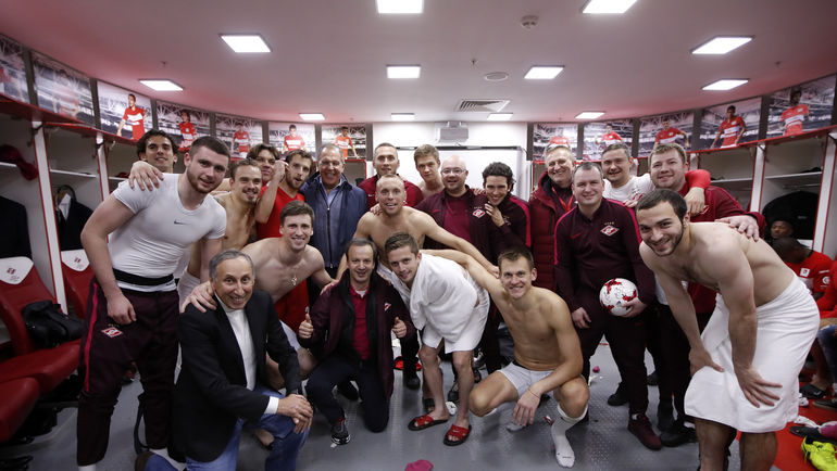 Леонид Трахтенберг со спартаковцами
