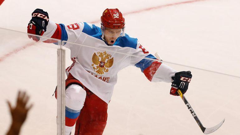 Евгений КУЗНЕЦОВ готовится к новой игре с Канадой. Фото AFP