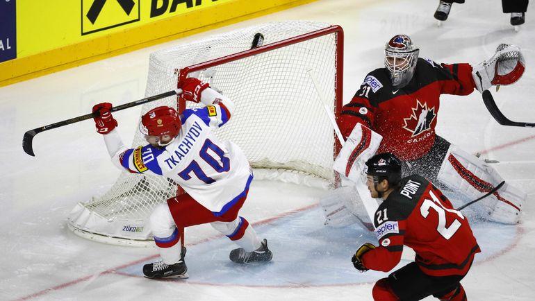 Нападающий сборной России Владимир ТКАЧЕВ. Фото REUTERS
