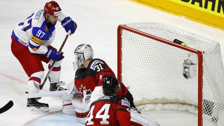 Суббота. Кельн. Канада - Россия - 4:2. Россияне повели 2:0 после гола Никиты ГУСЕВА, но провалились в третьем периоде. Фото REUTERS