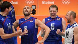 Сергей ТЕТЮХИН (№ 2) и Алексей ВЕРБОВ (№ 16) свои выступления за сборную закончили, теперь в числе ее лидеров - Артем ВОЛЬВИЧ (№ 14) и Сергей ГРАНКИН (№ 5).