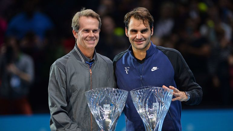 Стефан ЭДБЕРГ (слева) и Роджер ФЕДЕРЕР. Фото AFP