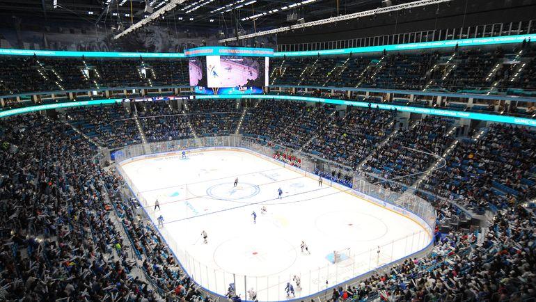 Надо думать, как сделать так, чтобы хоккеисты отдавали, а не только брали. Фото photo.khl.ru