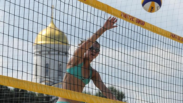 В Москве состоится этап Мирового тура по пляжному волейболу. Фото AFP