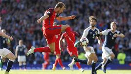 Кейн спас Англию в Глазго, Левандовски сравнялся с Криштиану Роналду