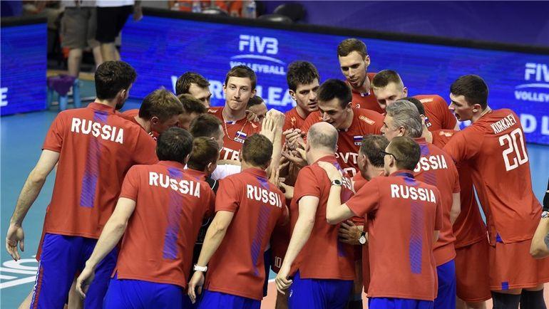 Россияне празднуют победу. Фото FIVB