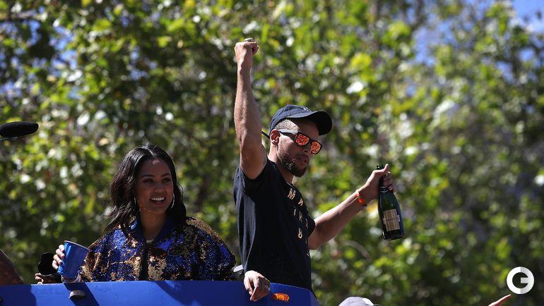 """Вчера. Окленд. """"Голден Стэйт"""" празднует чемпионство. Стефен КАРРИ. Фото AFP"""