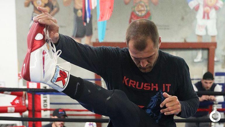 30 мая. Окснард. Сергей КОВАЛЕВ на тренировке. Фото AFP