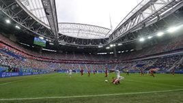 Суббота. Санкт-Петербург. Россия - Новая Зеландия - 2:0. Новый газон арены выдержал испытание.
