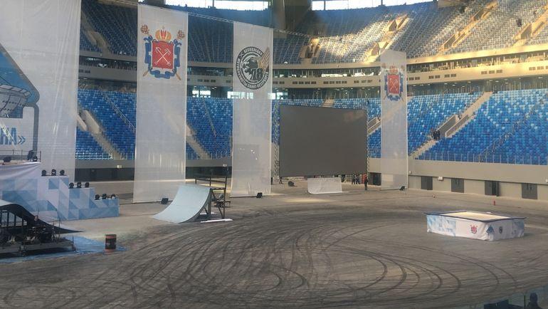 """10 февраля 2017 года покрытие поля стадиона выглядело так. Фото Гоша ЧЕРНОВ, """"СЭ"""""""