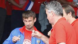 5 июня 2008 года. Леоганг. Сергей СЕМАК и Гус ХИДДИНК: тост перед Euro-2008. Бронзовая сказка - впереди.