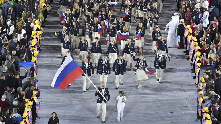 5 августа 2016 года. Рио-де-Жанейро. Церемония открытия Олимпийских игр.  Сборная России, преодолев множество препятствий, все-таки выступила на Олимпиаде в Бразилии. Фото REUTERS