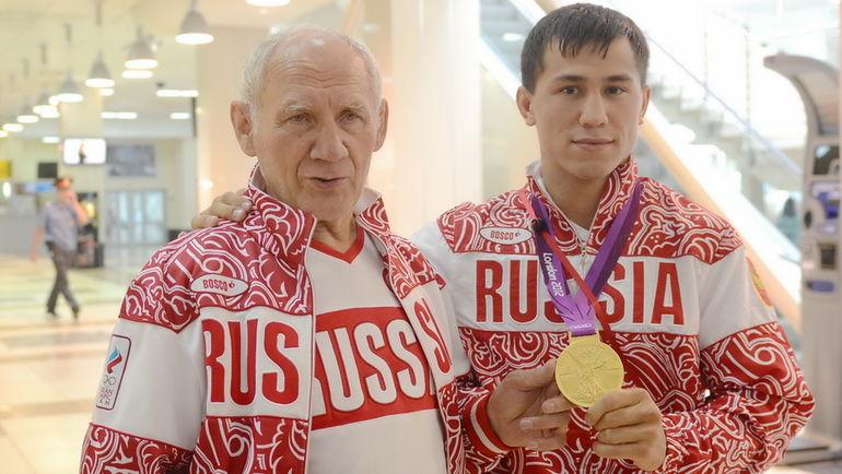 Виктор КУЗНЕЦОВ (слева) и Роман ВЛАСОВ с золотом Рио. Фото Алексей ВЬЮГИН