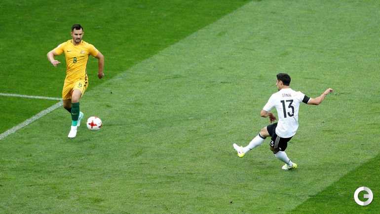 Сегодня. Сочи. Австралия - Германия - 2:3. Ларс ШТИНДЛЬ (№13) открывает счет в игре. Фото REUTERS