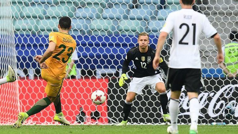 Сегодня. Сочи. Австралия - Германия - 2:3. Томми РОГИЧ (№23) сравнивает счет. Фото AFP