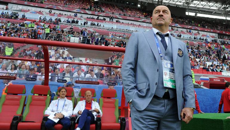 Футболисты Кокорин иДзюба высмеяли Черчесова после поражения сборной