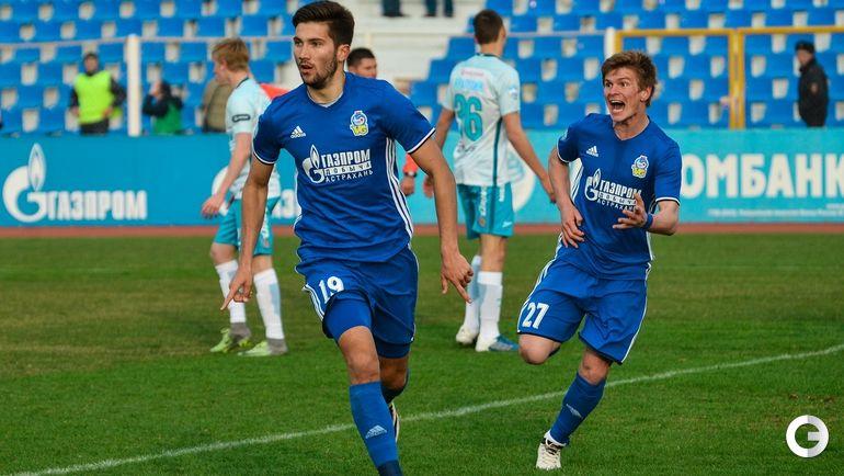 """Алексей СУТОРМИН (слева), """"Волгарь""""."""