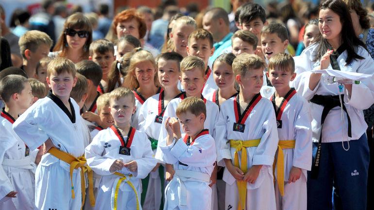 Маленькие победители и призеры белгородского турнира по тхэквондо. Фото ОКР