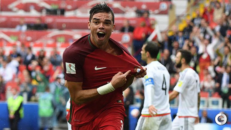 Сегодня. Москва. Португалия - Мексика - 2:1 д.в. ПЕПЕ празднует гол в конце основного времени.