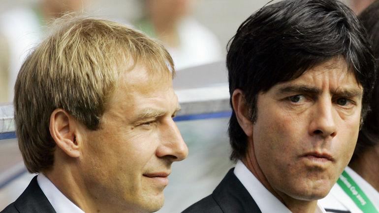 Йоахим ЛЕВ (справа) и Юрген КЛИНСМАНН в 2005 году. Фото AFP