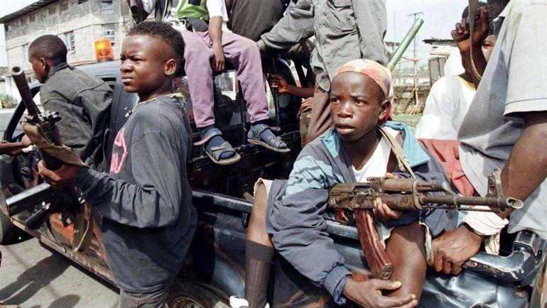 Дети-солдаты во время гражданской войны в Либерии. Фото NBC Sports