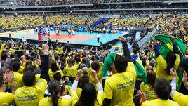Стадион аплодировал России стоя