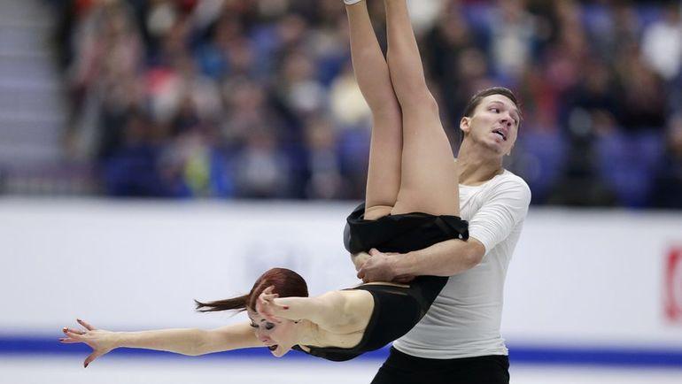 Екатерина БОБРОВА (слева) и Дмитрий СОЛОВЬЕВ на чемпионате Европы-2017. Фото REUTERS