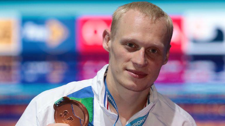 Илья ЗАХАРОВ с бронзовой медалью чемпионата мира. Фото AFP