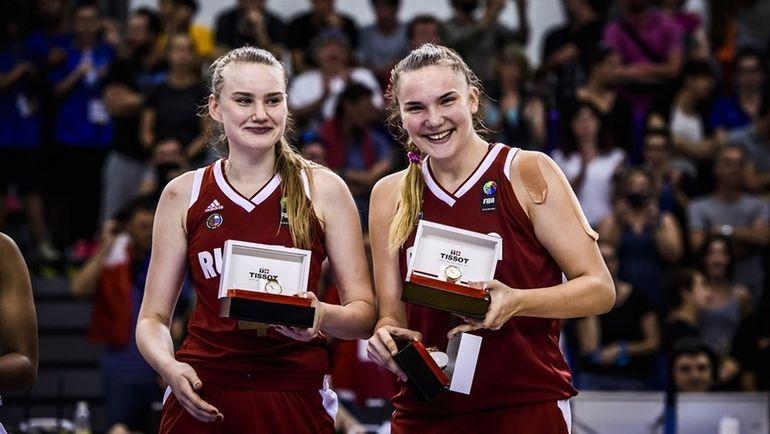 Раиса МУСИНА (слева) стала самым результативным игроком финала в составе российской команды. Фото FIBA