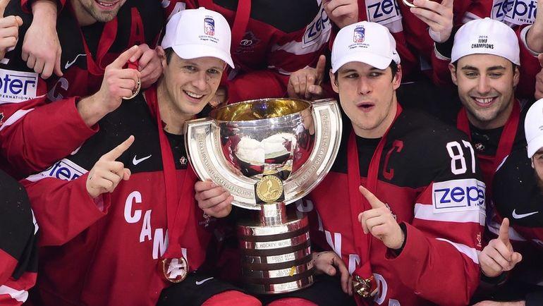 2015 год. Сидни КРОСБИ (№87) - чемпион мира в составе сборной Канады. Фото AFP