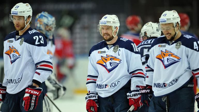 Сергей МОЗЯКИН (в центре) и Ян КОВАРЖ (справа). Фото Алексей ИВАНОВ