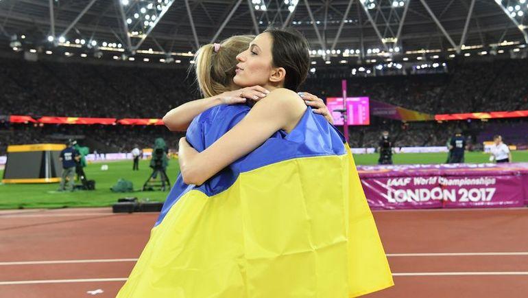 Вчера. Лондон. Юлия ЛЕВЧЕНКО (слева) и Мария ЛАСИЦКЕНЕ. Фото AFP