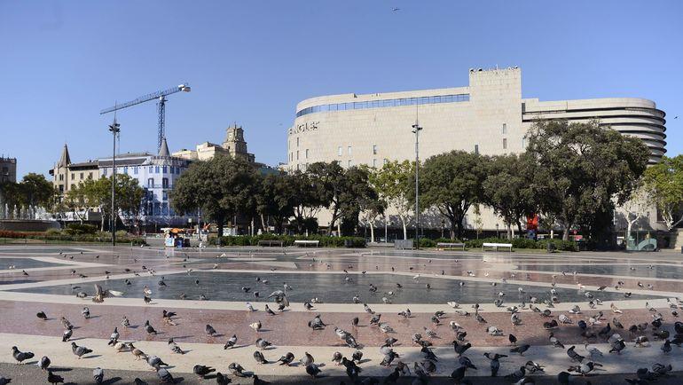 Площадь Каталонии, от которой к морю идет бульвар Ла Рамбла, после теракта. Фото AFP