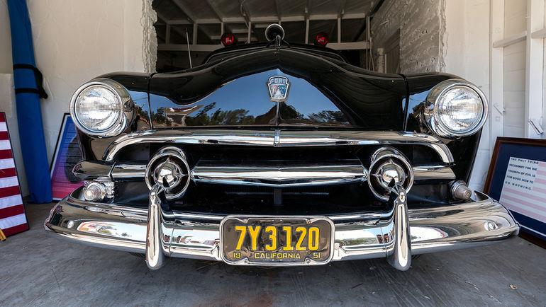 """Ретроавтомобиль """"Форд"""" в полицейской академии Лос-Анджелеса. Фото Юрий ГОЛЫШАК, """"СЭ"""""""