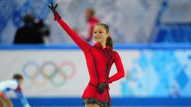 Юлия Липницкая. Девочка в красном