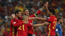 Испания - Италия: три мяча в воротах Буффона. Самые яркие кадры