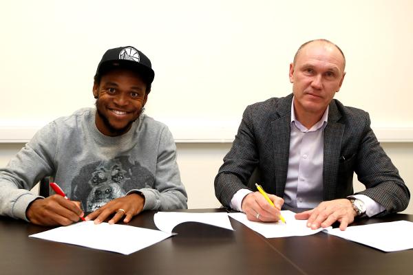 ЛУИЗ АДРИАНУ (слева) и Сергей РОДИОНОВ. Фото spartak.com