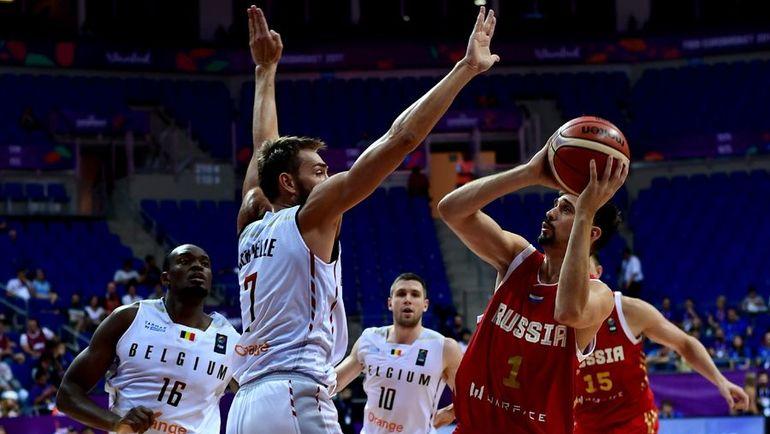 Алексей ШВЕД - один из лучших в составе сборной России на Евробаскете. Фото AFP