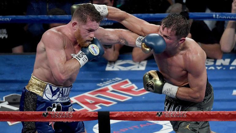 Сегодня. Лас-Вегас. Сауль АЛЬВАРЕС (слева) против Геннадия ГОЛОВКИНА. Фото AFP