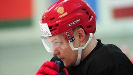 Игроков сборной России из ЦСКА отправили в ВХЛ. Как такое возможно?