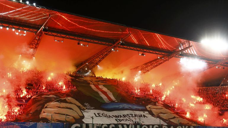 Фанаты «Легии» напали нафутболистов своего клуба после матча с«Лехом»