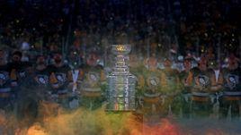 Старт дан! Лучшие фото первого игрового дня НХЛ
