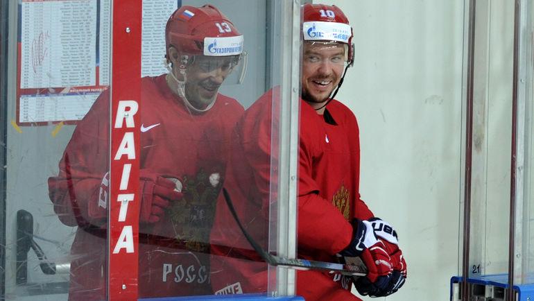 Сергей МОЗЯКИН (справа) и Павел ДАЦЮК. Фото Алексей ИВАНОВ