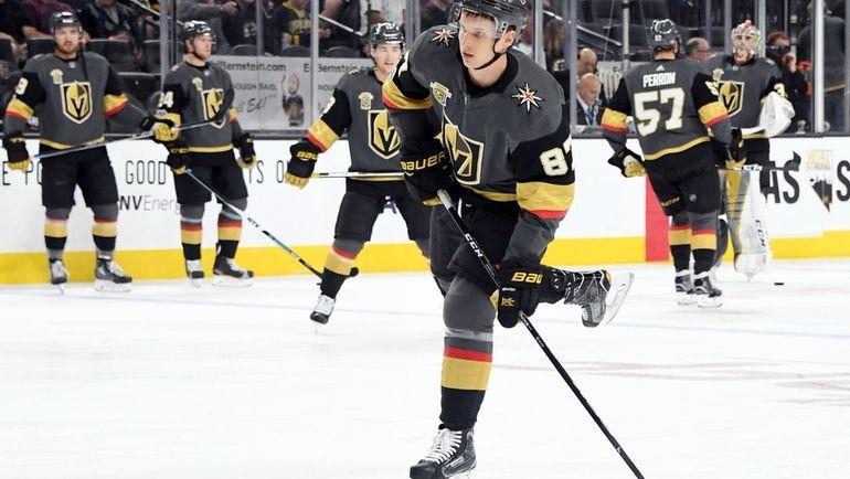 """15 октября. Лас-Вегас. """"Вегас"""" - """"Бостон"""" - 3:1. Нападающий Вадим ШИПАЧЕВ, возможно, больше никогда не выйдет на лед в матче НХЛ. Фото AFP"""