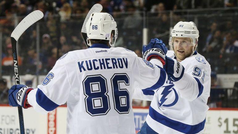 Стивен СТЭМКОС (№91) и Никита КУЧЕРОВ. Фото AFP